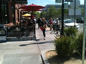 R-St_sidewalk-seating