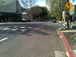 Sac_CapitolPkwy-18th-St_red-curb-offset