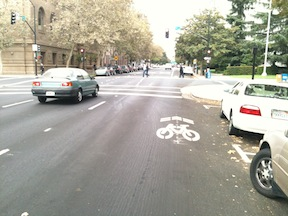 incorrect sharrow placement, I Street westbound, approaching 9th Steet