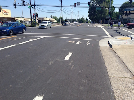 Mission southbound at Marconi, bike detector placement